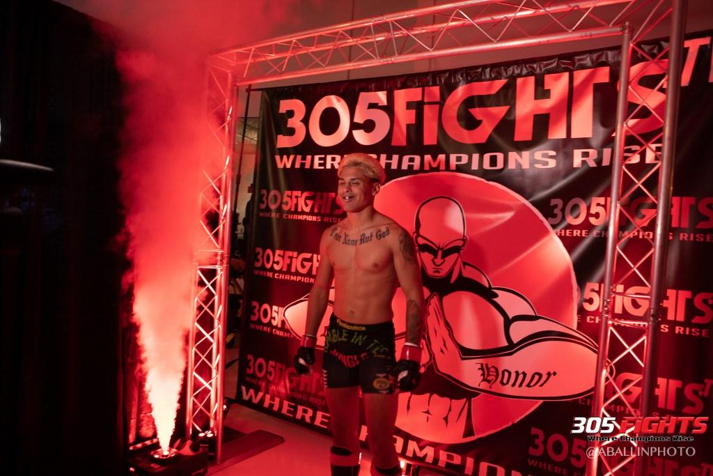 305 FIGHTS 9_26 WM-076