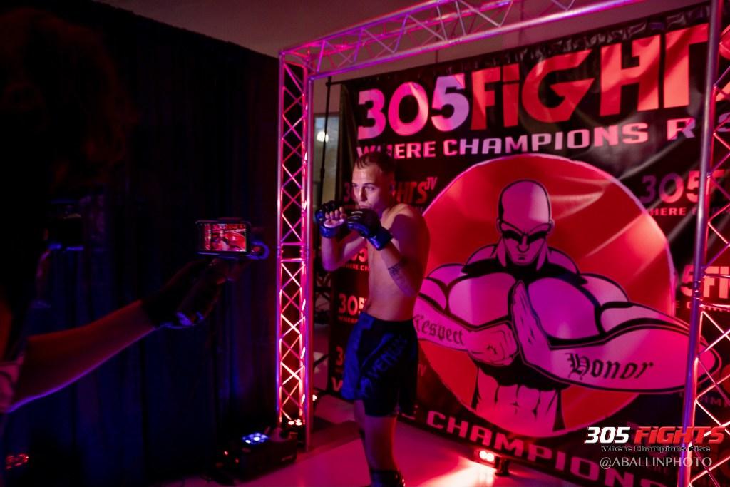 305 FIGHTS 9_26 WM-134