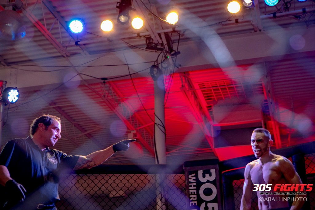 305 FIGHTS 9_26 WM-182