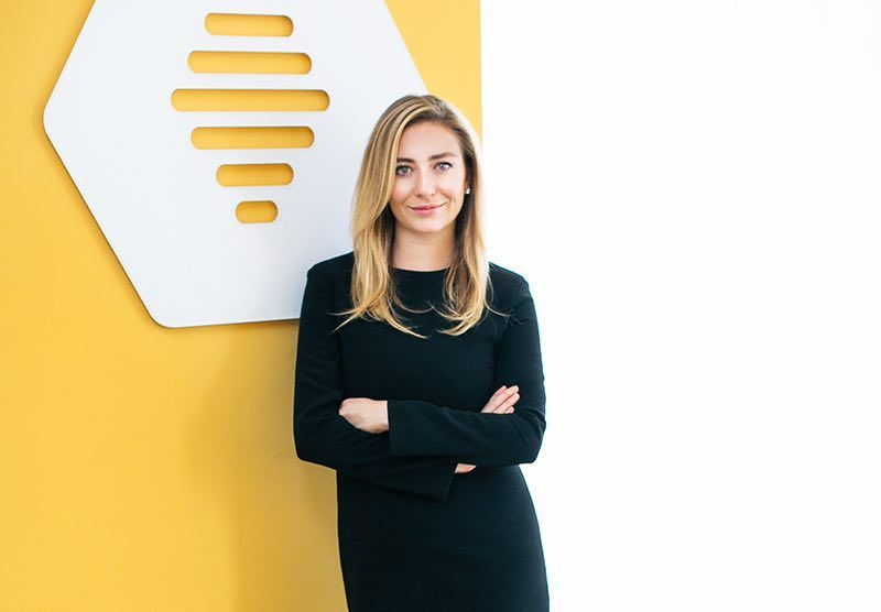 Bumble Bizz : l'application de rencontres se lance dans le networking