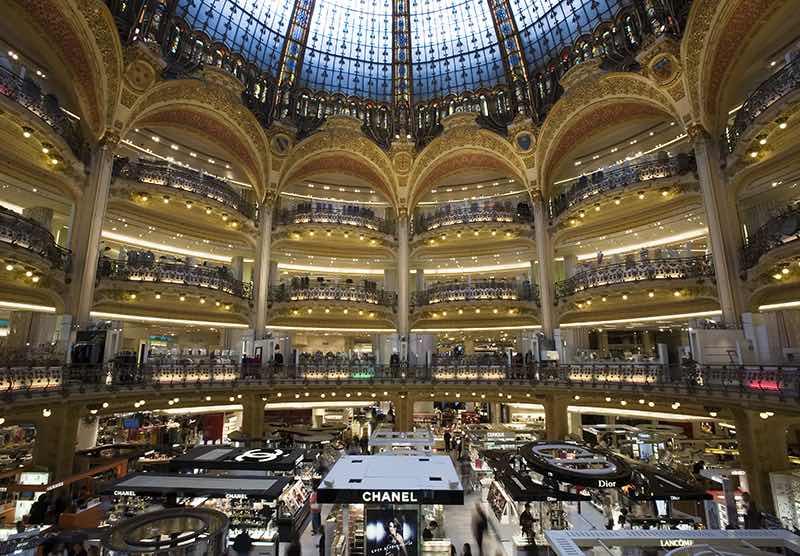 Les Galeries Lafayette offrent aux touristes chinois le paiement via mobile