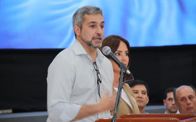 El presidente de la República, Mario Abdo Benítez no hizo un solo comentario sobre la crisis en la Municipalidad de Asunción.