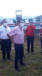 Vicepresidente Velázquez hace proselitismo con avión de la Fuerza Aérea -  Nacionales - ABC Color