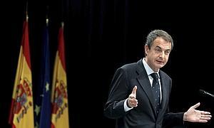 Zapatero habalndo de erradicar la pirateria