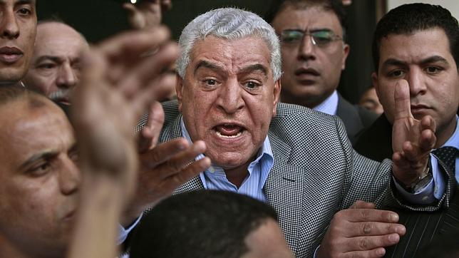 La plaza Tahrir pide la dimisión de Zahi Hawass