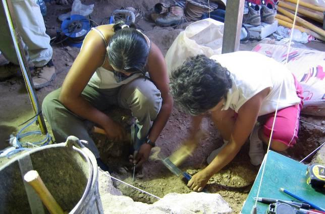 La crisis aparca la excavación arqueológica de Cueva del Ángel