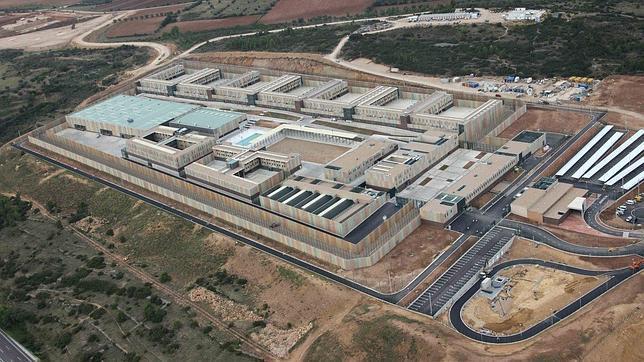 Un millón al mes para una cárcel fantasma
