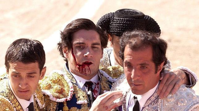 Ángel Teruel se recupera en Nimes de su grave cornada en la cara