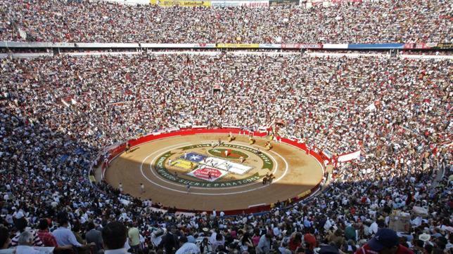 México reivindica su «¡sí, a los toros!» en una masiva manifestación