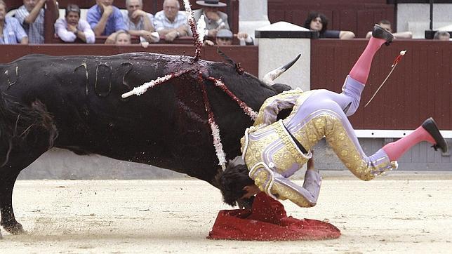 Sangre y oreja para Castella en San Isidro