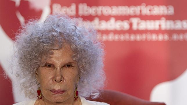 La duquesa de Alba, «encantada» de ser embajadora de la Red de Ciudades Taurinas