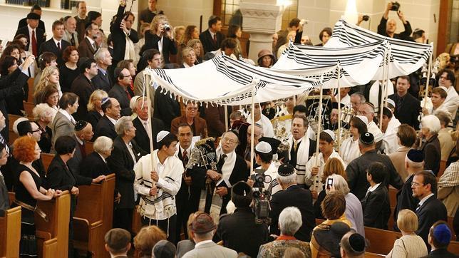 Un tribunal alemán condena la circuncisión por motivos religiosos