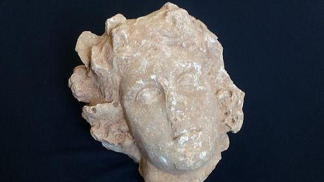 Hallan en Barcelona una cabeza de mármol romana del siglo II
