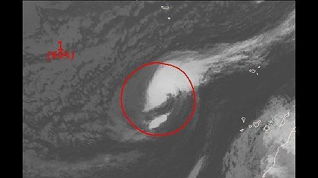 «Nadine», a 500 millas de Canarias y con alta probabilidad de convertirse en huracán