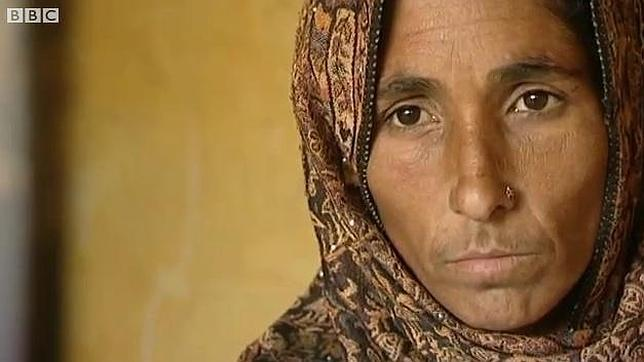 La madre que mató a su hija en Pakistán: «Era su destino morir así»