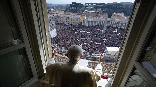 Benedicto XVI aprueba la reforma legal que permitirá adelantar el Cónclave