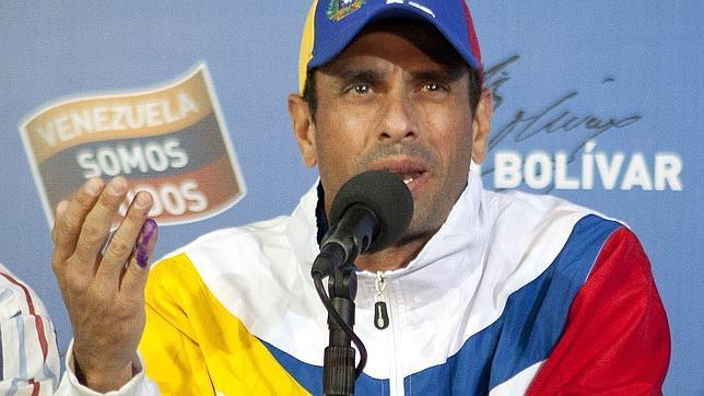 Capriles impugna oficialmente el resultado electoral en Venezuela