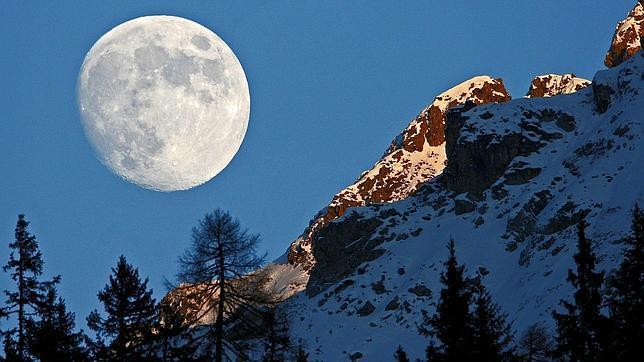 Así cambiará la Tierra cuando la Luna se aleje