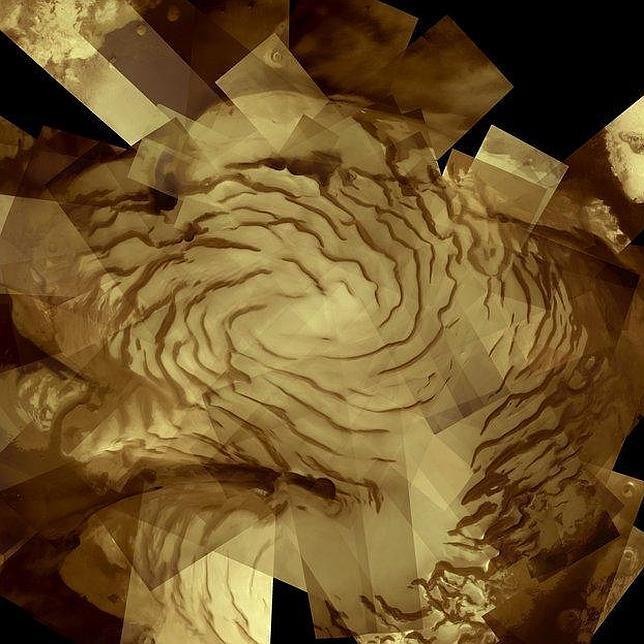 El polo norte de Marte, coronado por una profunda capa de hielo