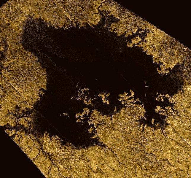 Fotografían un gigantesco mar en Titán