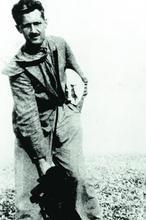 Orwell, poco después de regresar de la Guerra Civil