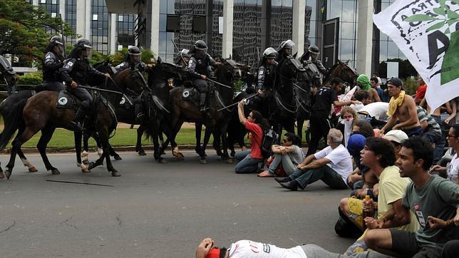 Las protestas continúan en Brasil tras la final del torneo de la Copa de Confederaciones