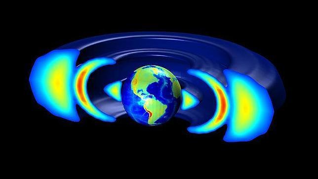 ¿Qué rodeó la Tierra hace un año durante un mes?