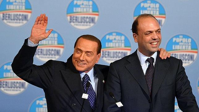 Berlusconi provoca la crisis por temor a ser arrestado