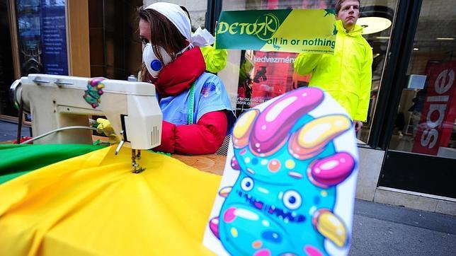 Greenpeace alerta de tóxicos en ropa infantil de marcas internacionales
