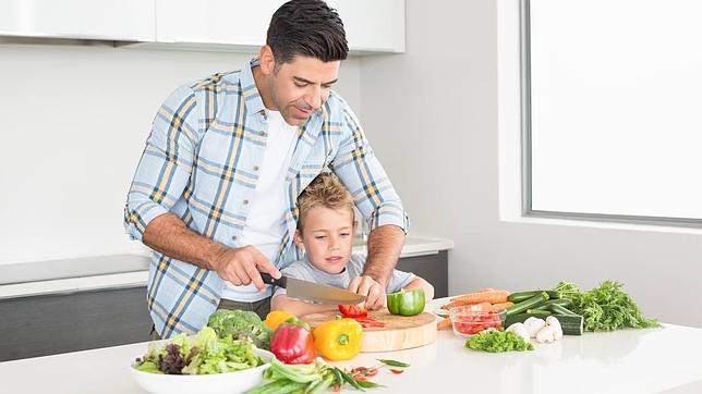Cambio de roles en el hogar: «Papá, ¿qué hay para cenar?»