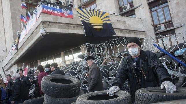EE.UU. exige a Putin que «cesen sus esfuerzos para desestabilizar Ucrania»