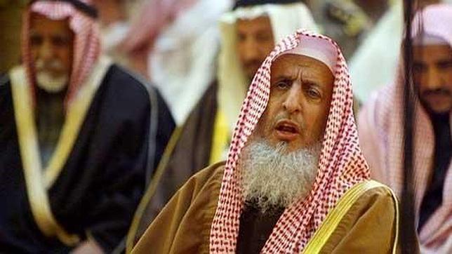 Mil latigazos y diez años de cárcel por criticar al Gran Mufti de Arabia Saudí