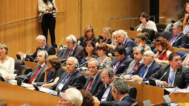 Parlamentarios de 16 países manifiestan su respaldo a la nueva Ley del Aborto de España