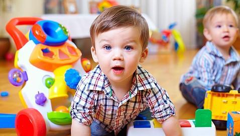 Pros y contras de dejar a los niños con una cuidadora, los abuelos o en la guardería