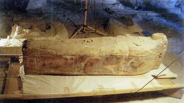 Sarcófago de la momia de una cantora del dios Amón