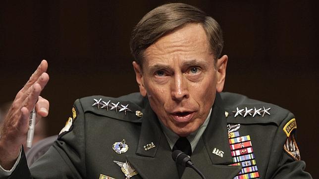 El exdirector de la CIA Petraeus se declara culpable por pasar información clasificada a su amante