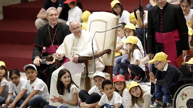 https://i1.wp.com/www.abc.es/Media/201505/11/papa-francisco-ninos--644x362.jpg