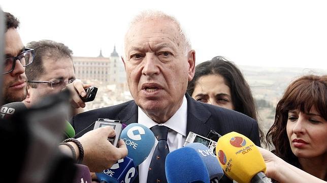 Margallo se reúne con Abbas: «la bandera de Palestina ondea en el Vaticano»