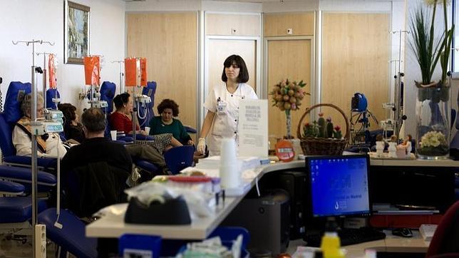 Una sala de quimioterapia de un hospital en Madrid - javier gil