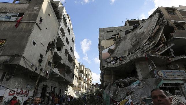 La ONU acusa a Israel y grupos palestinos armados de posibles crímenes de guerra en Gaza
