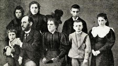 Cajal con su esposa, Silveria Fañanás, y sus hijos