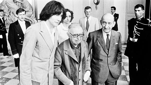 Una imagen histórica: Jean-Paul Sartre, Raymond Aron y André Glucksmann en el Elíseo en 1979