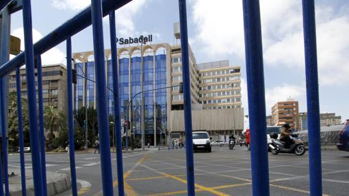 Imagen de la nueva sede del Banco Sabadell en Alicante