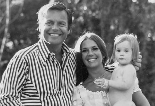 Natalie Wood junto a su marido y su hija