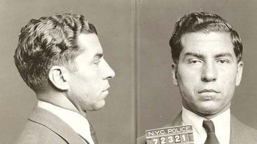 Lucky Luciano, capo italoamericano, fue encarcelado por el testimonio de una mujeres a las que explotaba en prostíbulos de Nueva York