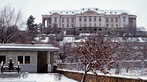 Palacio de Tajbeg fotografiado años después del asalto