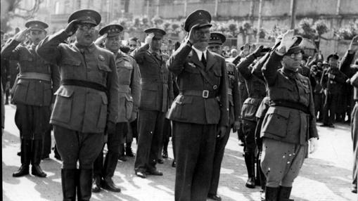 Despedida de la Legión Cóndor por parte de las autoridades militares