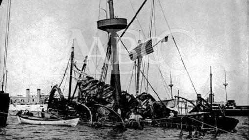 La Habana, 16/2/1898. Fotografía del acorazado de la marina de los Estados Unidos, Maine, tras la explosión que lo hundió la mañana del 15 de febrero de 1898