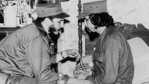 """El """"Che"""", junto a Castro en 1959"""