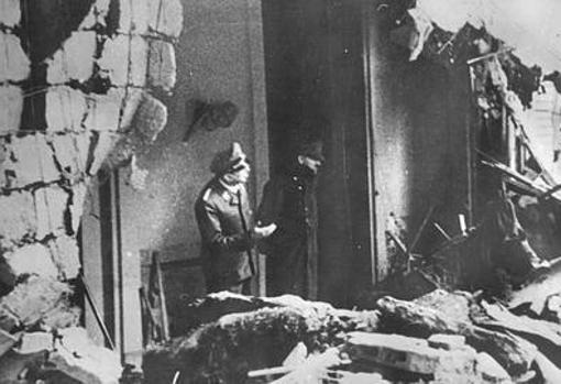 Hitler, en el búnker de la Cancillería